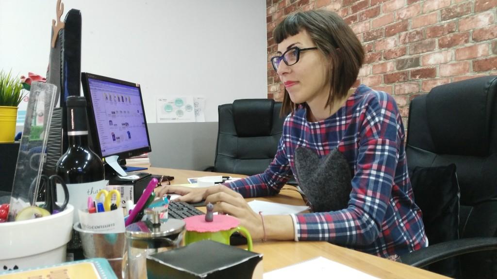 Paula Mármol, diseñadora web.